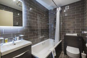 Room 200 Bathroom
